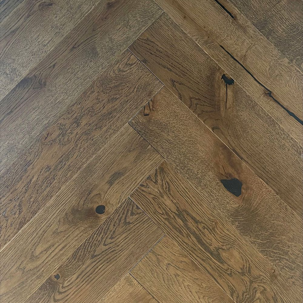 Kalasabaparkett Puulux Roberta tamm tumepruun matt lakk 12x120x600 (rustik, UniFit X click)